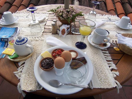 Casa Encantada: Desayuno Tipico