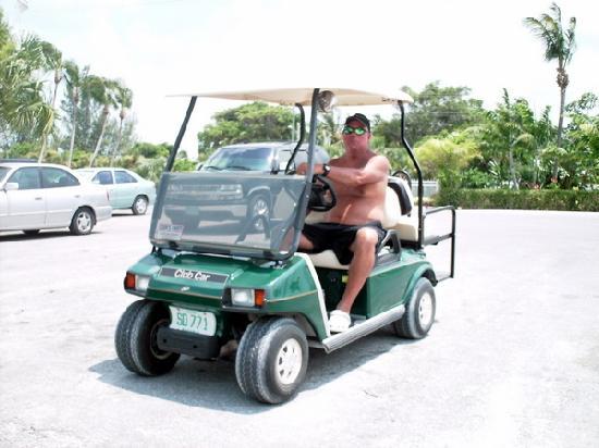 Treasure Cay Beach, Marina & Golf Resort: golf cart