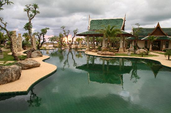 Andaman Princess Resort & Spa: Pool area 2