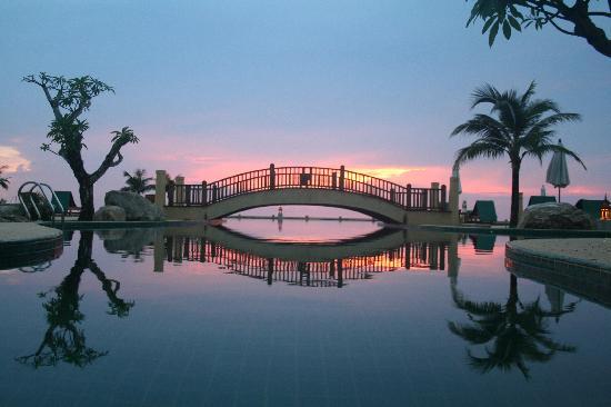 Andaman Princess Resort & Spa: The bridge - sunset