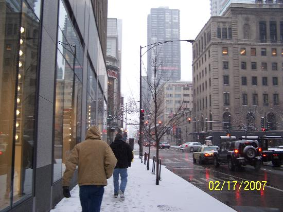 half a block from hotel to mag mile picture of courtyard by rh en tripadvisor com hk