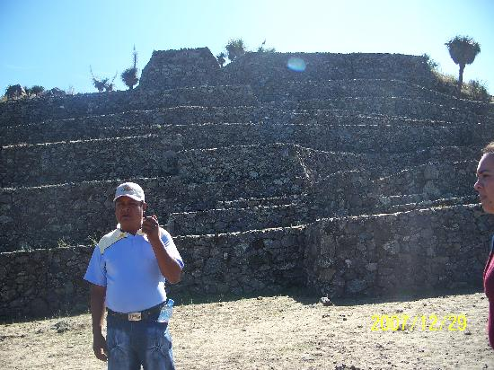 Cantona Archaeological Ruins : One of the guides in cantona