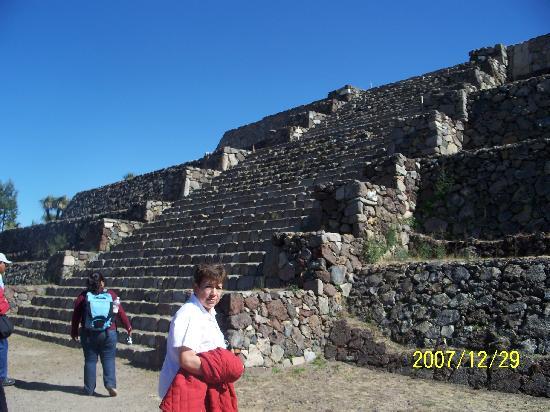 Cantona Archaeological Ruins : One of many pyramids in Cantona