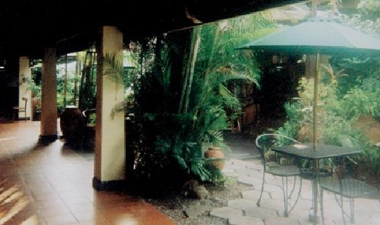 Alhambra Inn: Gardens