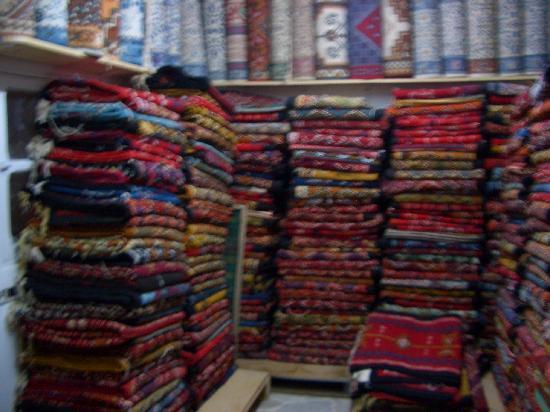 Médina de Tunis : Rug Factory