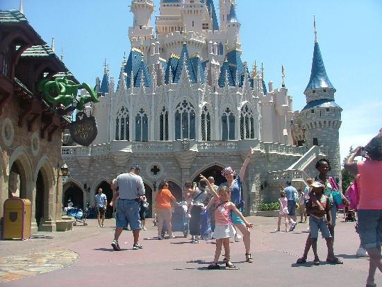 Florida: My gorgeous sister and our friend- Cinderella Castle.
