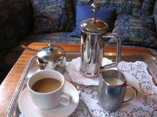 The Raven Hotel & Restaurant: Coffee Setting