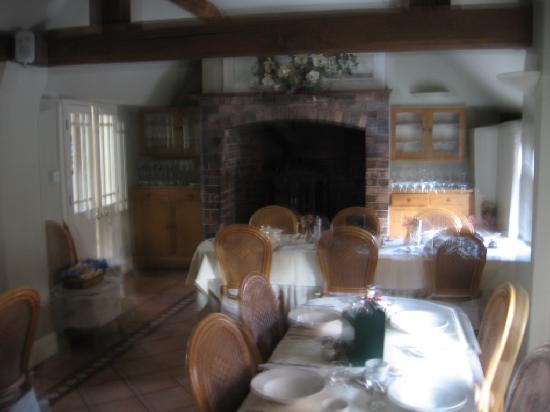 The Raven Hotel & Restaurant: Resturant