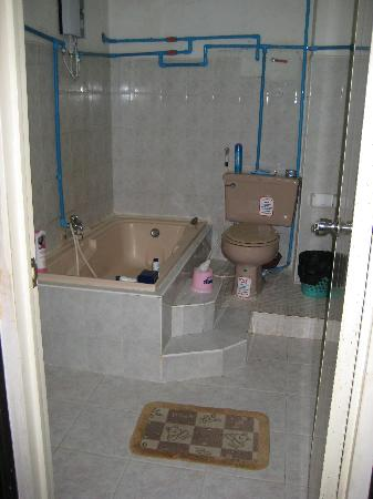 Last Home Guest House: Bathroom