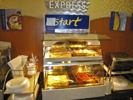 Holiday Inn Express Windsor - Sonoma County : Breakfast 1