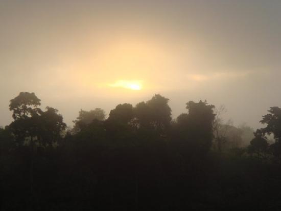 Waig Crystal Spring Resort : sunrise at bukidnon