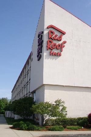 Red Roof PLUS+ Boston - Woburn: The Red Roof Inn