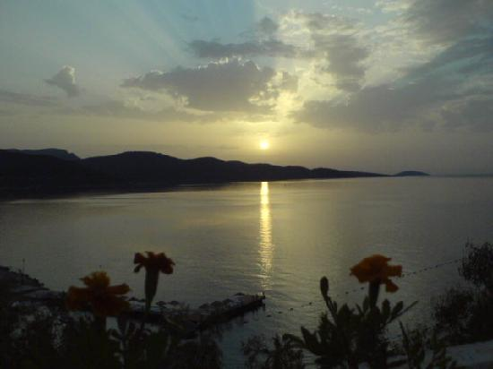 Blue Dreams Resort: Sunset