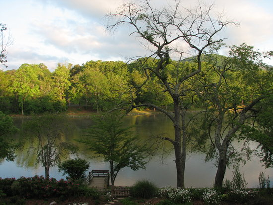 Black Mountain, NC: Beautiful view of Lake Tomahawk
