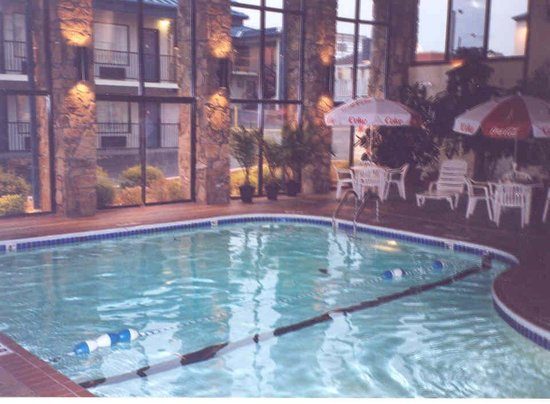BEST WESTERN Center Pointe Inn: Fantastic indoor heated pool and hot tub!