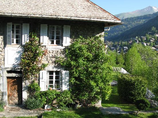The Farmhouse - Mas de la Coutettaz: Lovely garden