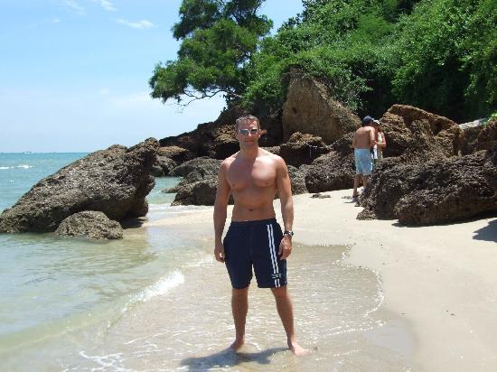 Royal Cliff Beach Terrace : more beach