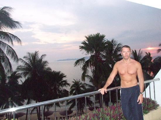 Royal Cliff Beach Terrace: sunset on balcony