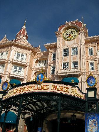 Disneyland Paris Hotel 1