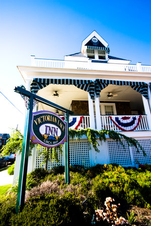 Victorian Lace Inn: Front