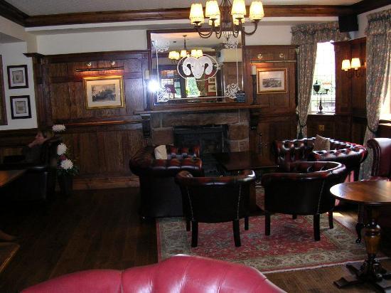 The Rams Head Inn: Lounge