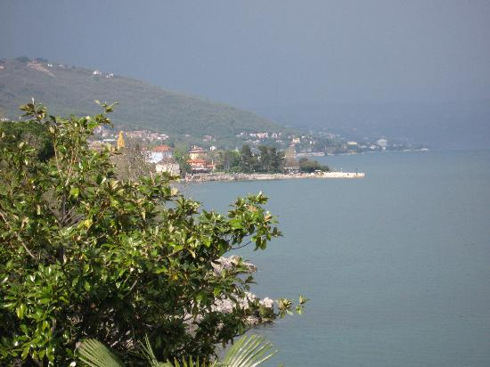 Lovran, Kroatien: beautiful view from pension