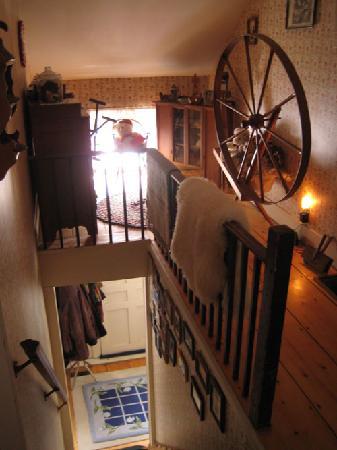 Hounds Follly B & B: upstairs, inside