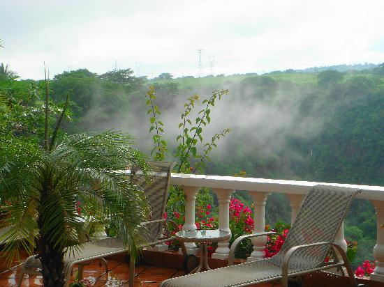 Casa Bella Rita Boutique Bed & Breakfast: Steam over the canyon after a rainstorm