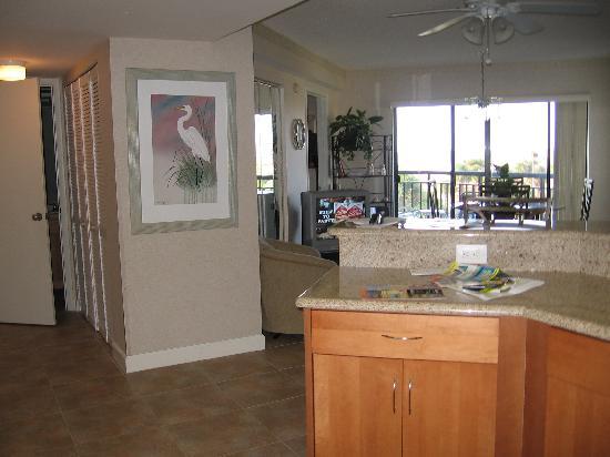 Gulf Strand Resort: living area