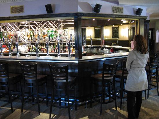 Celtic Royal Hotel: Bar