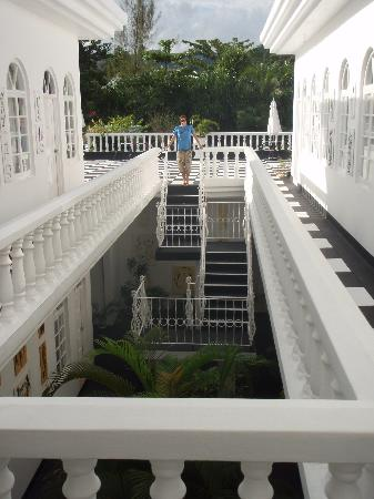 Jamaica Palace Hotel: Outside our room