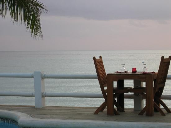 Negril Palms Hotel: Romantic Dinning at The Palms Restaurant