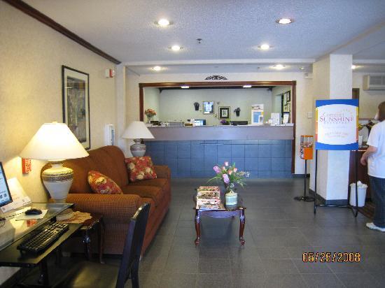 Lobby Entrance - Dunkirk, N.Y.; Comfort Inn
