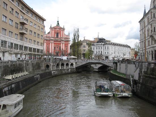 Prenocisca - Bed & Breakfast Zigon: Ljubljana - capital of Slovenia