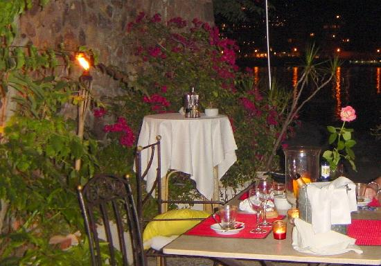 Bar and Restaurant Agapanto: Restaurant Agapanto - A tasteful meal is over in stunning settings.