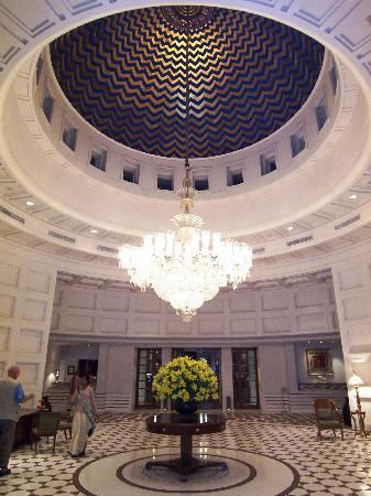 The Oberoi Amarvilas: Hotel Lobby