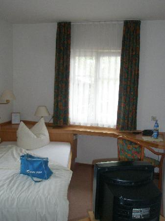 Hotel Restaurant Linde : Room 103