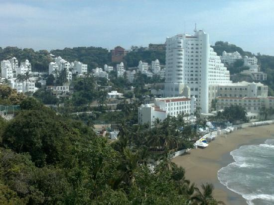 Playa La Audiencia : Tesoro Hotel on the beach