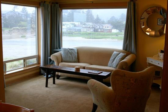 Sea Sprite on the Estuary : Our living room