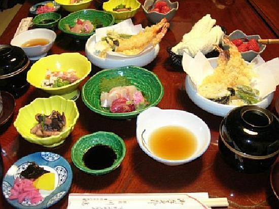إن كاواشيما: Oishii Kaiseki dinner