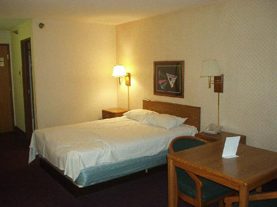Motel 6 Omaha: Room as I checked in