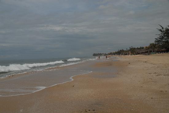 Cham Villas: Beach