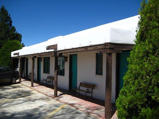 Thunderbird Inn: Another view