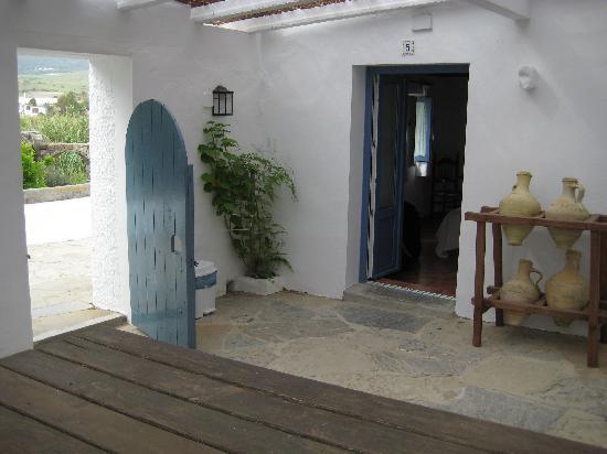 Hostal La Hormiga Voladora: Private courtyard perfect for evening drinks