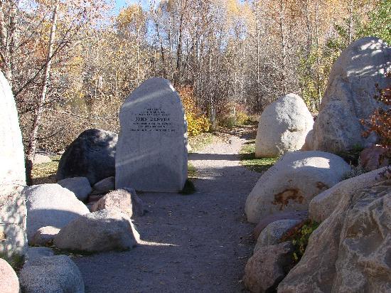 The John Denver Sanctuary: Walking through the rocks