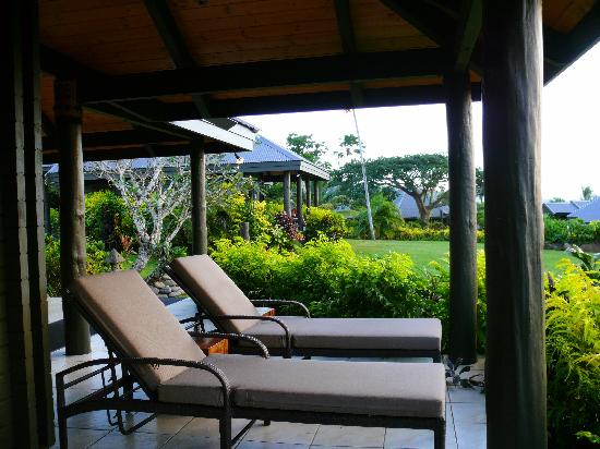 Taveuni Island Resort & Spa: Deck Chairs outside our bure