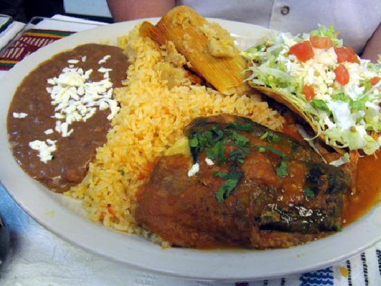 Sarapes Restaurant: Combo plate