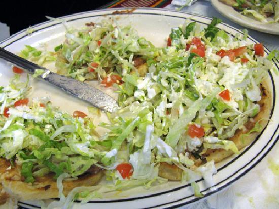 Sarapes Restaurant: Sope appetizer
