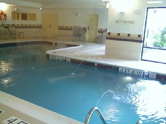SpringHill Suites Erie: The Pool!