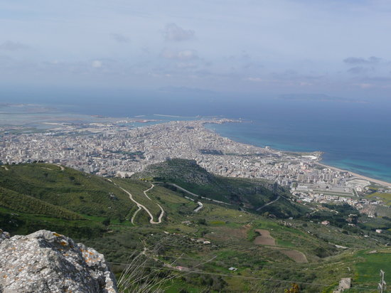 ‪‪Erice‬, إيطاليا: View of Trapani from Erice‬
